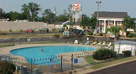 Daleville Inn Pool